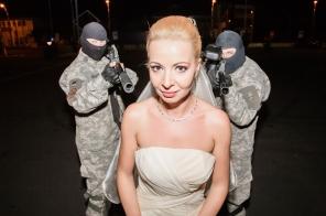 Furatul miresei la nunta intr-un mod mai deosebit. Multumita Asociatiei Sportive ATAC Piatra Neamt si Drift Team AUDIOCLASS.